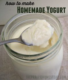 to Make Yogurt in a Mason Jar Learning how to make yogurt will save you lots of cash-- not to mention it's so easy you won't believe it!Learning how to make yogurt will save you lots of cash-- not to mention it's so easy you won't believe it! Homemade Yogurt Recipes, Homemade Cheese, Milk Recipes, Real Food Recipes, Cooking Recipes, Yummy Food, Homemade Recipe, Homemade Food, Coffee Recipes