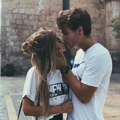 Be touching Of These 36 Cute And Romantic Teenage Relationship Goals - YoGoodLife Photo Couple, Love Couple, Couple Shoot, Couple Goals, Stylish Couple, Cute Relationship Goals, Cute Relationships, Life Goals, Tumblr Couples