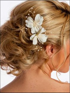 this would be a nice hair style for Prom