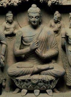 Alexander the Great & the Buddha Gautama Buddha, Buddha Buddhism, Buddha Art, Buddha Statues, Temples, Alexandre Le Grand, Buddha Temple, Buddha Sculpture, Buddhism