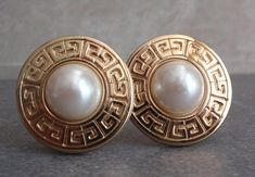 Givenchy Pearl Earrings Round Gold Tone Clip On Vintage Antique Earrings, Round Earrings, Clip On Earrings, Diamond Earrings, Pearl Earrings, Modern Jewelry, Vintage Jewelry, Jewelry Design, Designer Jewelry