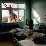 Alasan Super Hero Menjadi Pembersih Jendela