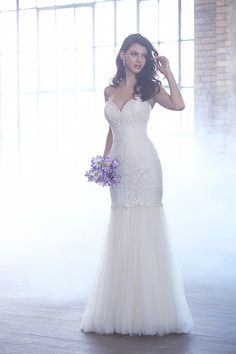When it comes to my bridal style, I tend to love stuff that's a little bit classic and a little bit modern, so it's no wonder I'm obsessed with the fall 2015 collection from Madison James. Featuring designs that embody the perfect mix of glam + modern, this lineup of pretties has something for every bride.   From the […]