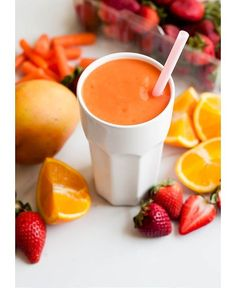 Photo: 6 Easy Smoothie Recipes That Will Give You Glowing Skin This Summer | Bustle