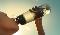 """El Instituto de Bebidas para la Salud y el Bienestar (IBSB) presentó en México un libro que aborda la importancia de la hidratación para la salud a partir de una revisión """"científica"""" y"""