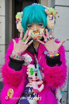 130127-3824: Japanese street fashion in Harajuku, Tokyo.