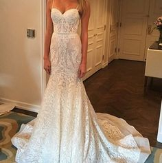 Adore this dress. So beautiful!!