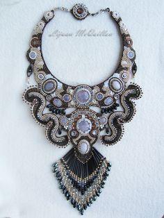 Perlen Stickerei Halskette Drachen in den Teich-craftyirelandteam1 von Lijuanbeadjewelry auf Etsy https://www.etsy.com/de/listing/158217751/perlen-stickerei-halskette-drachen-in