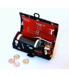 Saiba já passo a passo como fazer um kit de costura para viagem