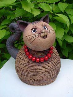 Pottery Animals, Ceramic Animals, Clay Animals, Ceramic Pottery, Pottery Art, Ceramic Art, Paper Mache Animals, Clay Cats, Decorative Gourds