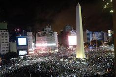 El Obelisco, centro de los festejos por el ingreso de la Argentina a la final del Mundial - Mundial Brasil 2014 - canchallena.com