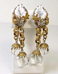 VINTAGE-MIRIAM-HASKELL-MOLDED-GLASS-LEAVES-CRYSTAL-BEAD-DANGLE-EARRINGS-2-1-2