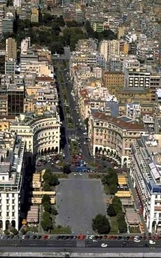 Aerial View Of Aristotelous Square in Thessaloniki Greece (This is the square we stayed at and had a few dinners. Mykonos, Santorini, Macedonia Greece, Athens Greece, Greece Thessaloniki, Patras, Places To Travel, Places To See, Places In Greece