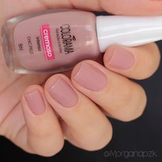 "Esmalte ""Chic Pele"" da Colorama 