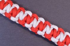 Survival Paracord Bracelet - How to - Candy Cane Style - BoredParacord