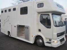 Horsebox, Carries 3 stalls 04 Reg