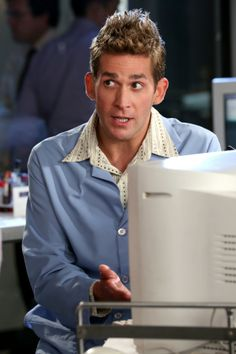 Eric Szmanda as Greg Sanders on CSI Las Vegas, working in the lab, cute, portrait, photo