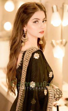 Pakistani Fashion Party Wear, Pakistani Wedding Outfits, Pakistani Dresses Casual, Indian Fashion Dresses, Dress Indian Style, Pakistani Dress Design, Indian Designer Outfits, Bridal Outfits, Stylish Dresses For Girls