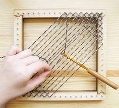 Square Pin Loom Speed Weaving 2019 Square Pin Loom Speed Weaving The post Square Pin Loom Speed Weaving 2019 appeared first on Blanket Diy. Weaving Loom Diy, Pin Weaving, Loom Craft, Card Weaving, Weaving Textiles, Weaving Patterns, Tapestry Weaving, Knitting Patterns, Loom Blanket