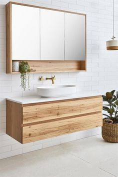 Modern bathroom inspiration with wood, gold and white tiles M . - Modern bathroom inspiration with wood, gold and white tiles inspiration Beautiful bathroo - Bathroom Mirror Design, Bathroom Trends, Modern Bathroom Design, Bathroom Interior Design, Bathroom Renovations, Bathroom Storage, Bathroom Ideas, Bathroom Organization, Bathroom Vanities
