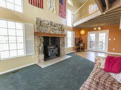 Livingroom Fireplace www.utahhomesguy.com/9707dunsinanedr