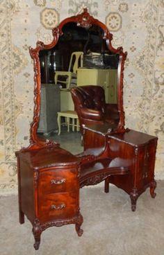 Found on EstateSales.NET: c. 1900's Mahogany Princess Vanity