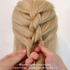 How to do a single french rope braid for beginners - Click here for a full step by step tutorial on Youtube😍 — 🎥Video Credit: @everydayhairinspiration ⭐️FOLLOW @everydayhairinspiration for more!! 🎵Alvy – Alchimie, Pt 2 - Music provided by Majestic Casual Easy Hairstyles For Long Hair, Braids For Long Hair, Diy Hairstyles, Curly Hair Dos, How To Make Braids, Medium Hair Braids, Braided Hairstyles Tutorials, Hair Up Styles, Medium Hair Styles