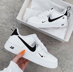 Untitled chaussure в 2019 г. shoes, sneakers и sneakers nike. All Nike Shoes, Nike Shoes Air Force, Black Nike Shoes, Hype Shoes, Running Shoes, Adidas Sneakers, Sports Shoes, Adidas Outfit, Nike Outfits