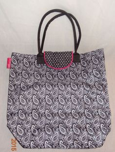 New Market Tote Paisley Dot XL Fold Up Bag Travel Shopping 2012 Pampered Chef #PamperedChef #TotesShoppers