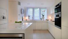 interior design im skandinavischen stil glänzend Weiß - eingebaute Tischlampen