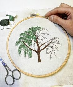 Marvelous Crewel Embroidery Long Short Soft Shading In Colors Ideas. Enchanting Crewel Embroidery Long Short Soft Shading In Colors Ideas. Embroidery Needles, Crewel Embroidery, Silk Ribbon Embroidery, Cross Stitch Embroidery, Tree Drawing Simple, Embroidery Designs, Diy Broderie, Embroidery Techniques, Sewing Crafts