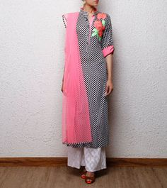 Black & White Cotton Suit with Palazzo Pants Indian Attire, Indian Wear, Pakistani Outfits, Indian Outfits, Kurta Designs, Blouse Designs, Tela Hindu, Simple Dresses, Casual Dresses