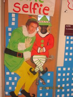 1000 images about the elf christmas door decoration on for Elf door ideas