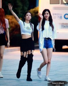 Blackpink Jennie and rose