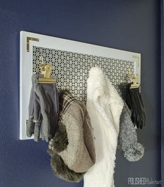 Use a decorative metal grate as a fresh take on pegboard! Looking for organization AND style? This DIY coat rack provides both on a budget and is the perfect entry-level DIY project for your entryway. Diy Rack, Diy Coat Rack, Clutter Organization, Entryway Organization, Organization Ideas, Standing Coat Rack, Kitchen Wall Colors, Diy Home Improvement, Easy Diy
