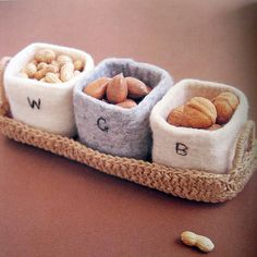 "Felt baskets - from the book ""simple zakka and bag of felt wool"", ISBN # 4-277-43072-4"