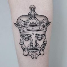 the best quality king tattoos from the playing card king tattoo, chess piece king, lion king and skeleton king tattoo. check out the best in royal ink. Bow Tattoo Designs, Crown Tattoo Design, Sketch Tattoo Design, Tattoo Designs For Women, Dope Tattoos, Skull Tattoos, Body Art Tattoos, Sleeve Tattoos, Tattoos For Guys