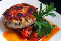 "Pan Fried Salmon Cake, Sauce Mexicana, Parsley Garnish -- my great grandmother would call these ""Salmondigas. Pan Fried Salmon, Salmon Cakes, Salmon Burgers, Parsley, Seafood Recipes, Ale, Drinks, Ethnic Recipes, Drinking"