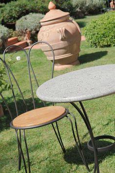 """Tavolo Irlanda Contract con piano in pietra """"GaiaStone""""(art.215 GS) Ø cm 60  •  Sedia Margerita con seduta in legno (art.161b)"""