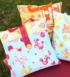 """pillow packs"" for traveling (or for the bed...)"
