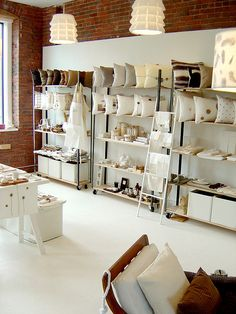 Simplemente Blanco store in Boston - #contemporary #retail #design