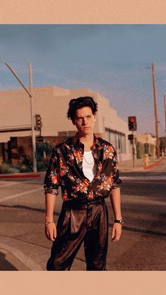 Cole Sprouse Hot, Cole Sprouse Jughead, Dylan Sprouse, Gq Mens Style, Gq Style, Gq Magazine Covers, Cole Sprouse Lockscreen, Cole Sprouse Aesthetic, Cole Spouse