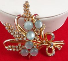 ##020 Vintage-Brooch-Pin-3-034-Moonglow-Rhinestones-Flower-Bouquet-LOT-106-GIFT-BOXED