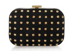 Gucci minaudière cloutée http://www.vogue.fr/mode/shopping/diaporama/pochettes-de-fete/11125/image/656622#gucci-minaudiere-cloutee