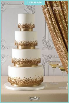 wedding cakes gold Sequins on a cake - yes, please! These edible little accessories bring a white wedding cake to life. Gold looks so stylish against white and we could picture this at a glamorous wedding. Click through for more gold wedding cake ideas. Beautiful Wedding Cakes, Beautiful Cakes, Glamorous Wedding, Best Wedding Cakes, Elegant Wedding Cakes, Mod Wedding, Dream Wedding, Sequin Wedding, Wedding Cake Gold