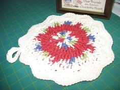 Hand Crocheted Hot Pad Victorian Christmas by MercysNeedleplay