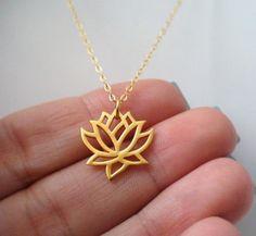 Lotus Blume Halskette Gold Lotus Blume Halskette von Instyleglamour