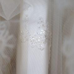 Scegliamo per voi solo i tessuti migliori #details #dettagli #MadeinItaly #CMCreazioni #sposa #abitosposa #abitodasposa #bridal #bride #matrimonio #wedding #marriage