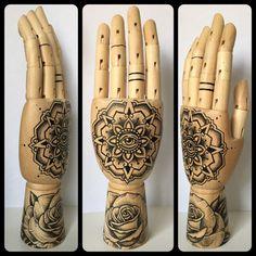 Mandala / Rose dotwork wooden hand 'Tattoo style' door Inkspirednl