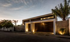 Busca imágenes de diseños de Casas estilo moderno: La Casa K27. Encuentra las mejores fotos para inspirarte y y crear el hogar de tus sueños.